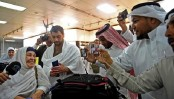 200 hit by NZ mosque shootings take part in hajj pilgrimage
