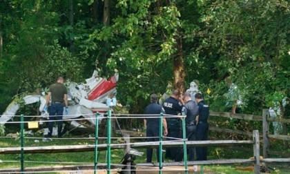 Three killed in US as small plane crashes into backyard