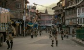 Indian troops enforce Kashmir lockdown during Friday prayers