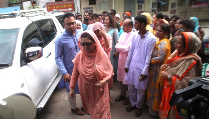 Family members meet Khaleda Zia on Eid day