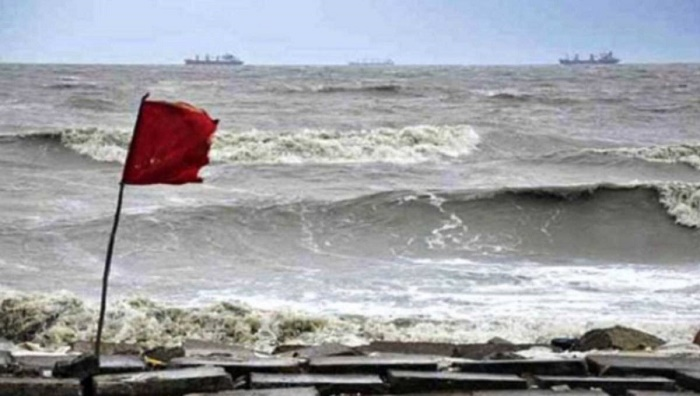 Signal 3 issued for sea ports