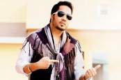 Indian film body bans Mika Singh after performance in Karachi