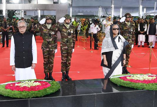 President, PM pay homage to Bangabandhu