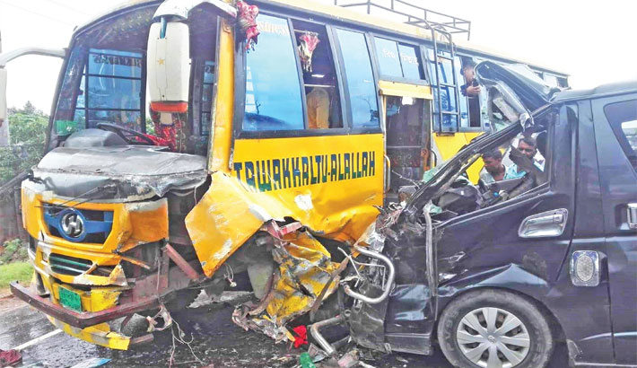 Bus and a microbus lie mangled
