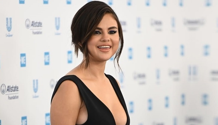 Selena Gomez to launch her own makeup line