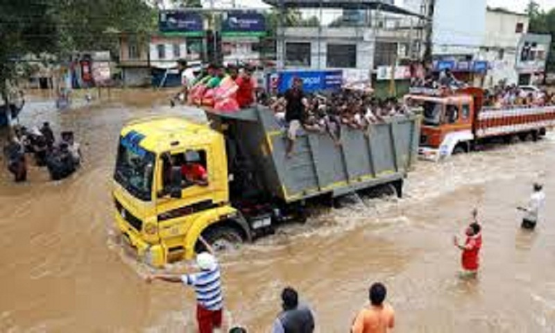 Normlacy returning to rain-hit Kerala, toll reaches 113