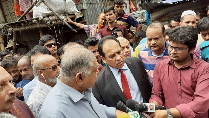 Stand by Mirpur slum fire victims: Dr Kamal