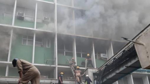 Fire breaks out near emergency ward at AIIMS Hospital in Delhi