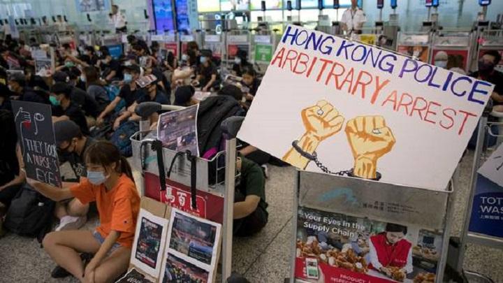 EU calls for 'inclusive dialogue' over Hong Kong tensions