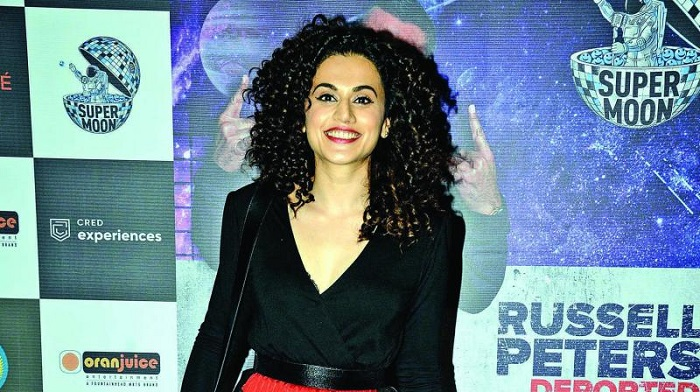 Tapsee's war with Kangana intensifies
