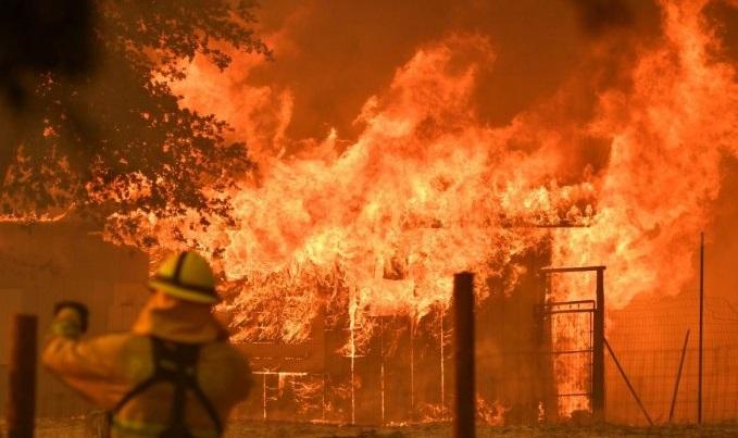 8 killed in Ukraine hotel fire