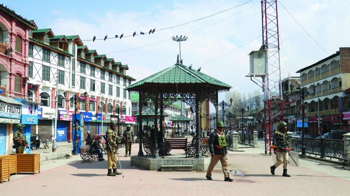 Forces deploy 1 million to guard Kashmir Valley