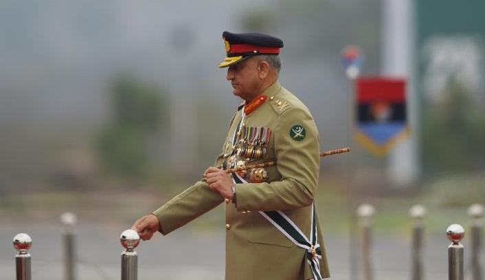 Pakistan extends military chief's tenure amid Kashmir row