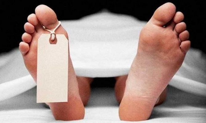 Body of teenage girl found in damage coach in Kamlapur station
