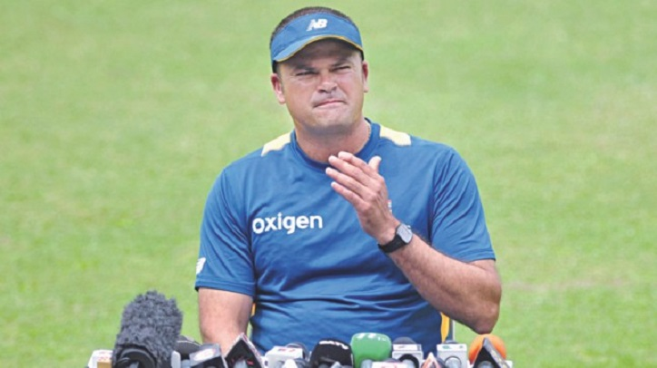 Tigers' pace bowling coach Charl Langeveldt reaches Dhaka