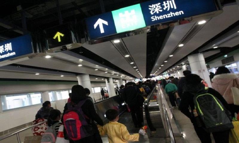 Hong Kong: British consulate staffer 'detained at China border'