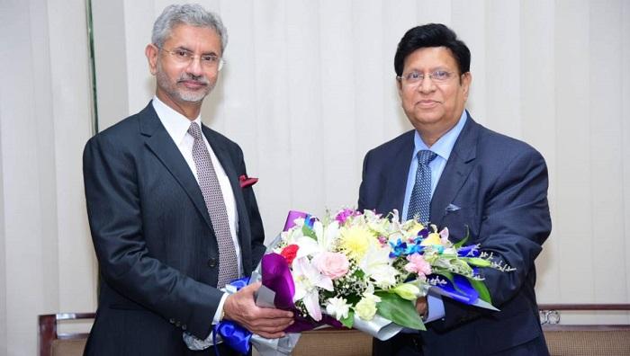 Jaishankar eyes on higher level relationship with Dhaka