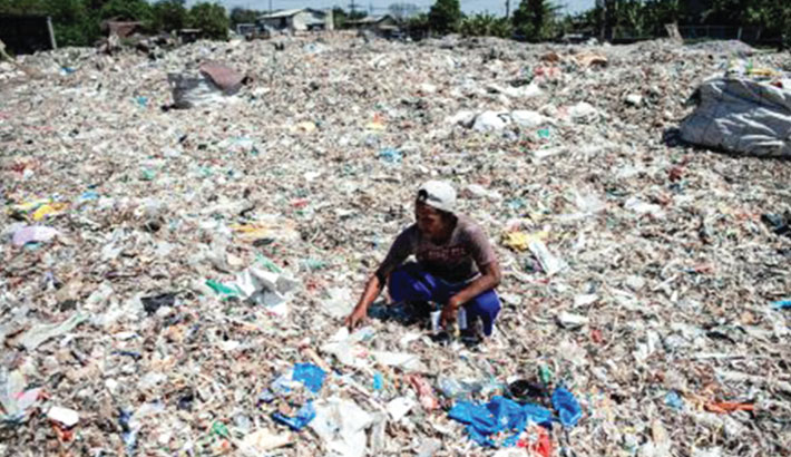 Foreign trash 'like treasure' in Indonesia's plastic village