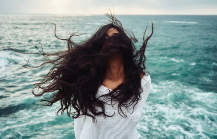Monsoon adding to your frizzy hair woes?