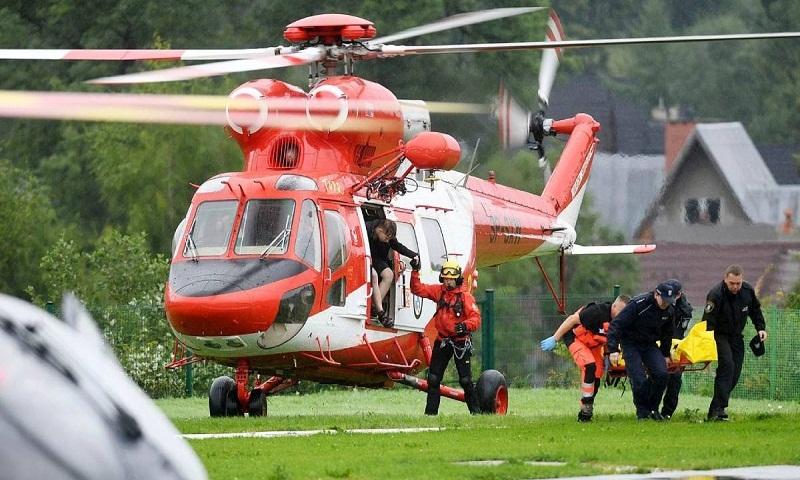 Lightning strikes kill 5, injure over 100 in Poland's Tatra Mountains