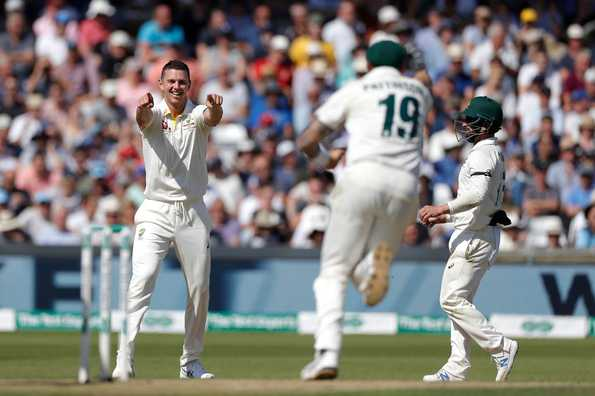 Australia lead by 283 runs after bundling out England on 67