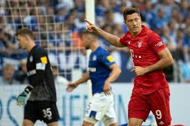 Lewandowski hits hat-trick as 'happy' Coutinho makes Bayern bow