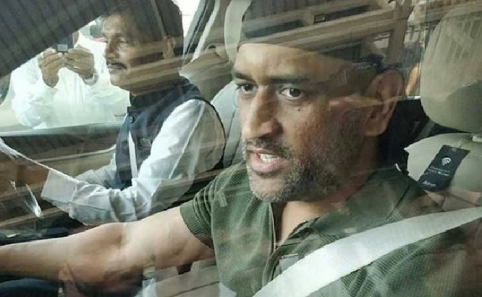 MS Dhoni spotted in Jaipur, sporting new look