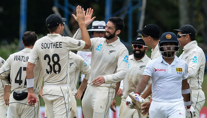 New Zealand skittle Sri Lanka top order to scent victory