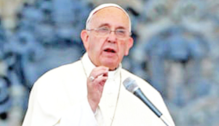 Pope urges everyone to change lifestyle to save planet