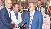 Bangladeshi expatriates living in London receive President Abdul Hamid