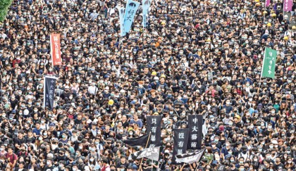 HK students boycott classes as China warns 'end is coming'