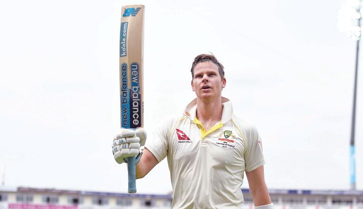 Smith regains crown as world's top Test batsman