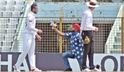 Shakib's fan invades Chattagram Test