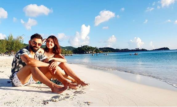 All hearts for Anushka and Virat Kohli's beach pic