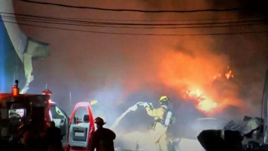 2 dead after cargo plane crashes, burns near Toledo airport