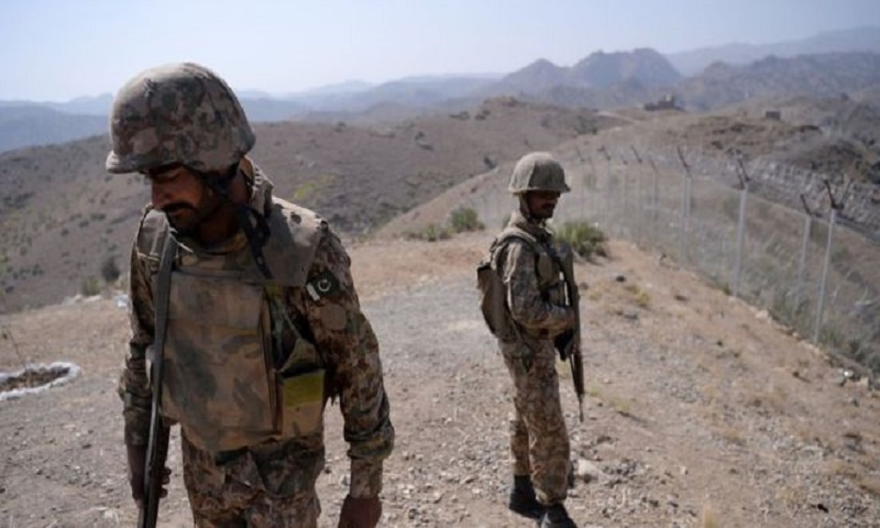 Gunmen kill 4 Pakistani troops in attacks near Afghan border
