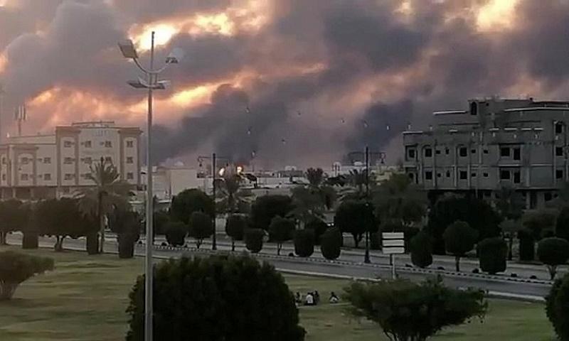 Saudi oil strikes: US blames Iran for twin attacks