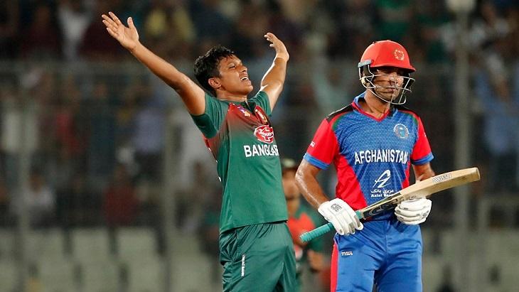 Afghanistan set Bangladesh to chase 165 to win