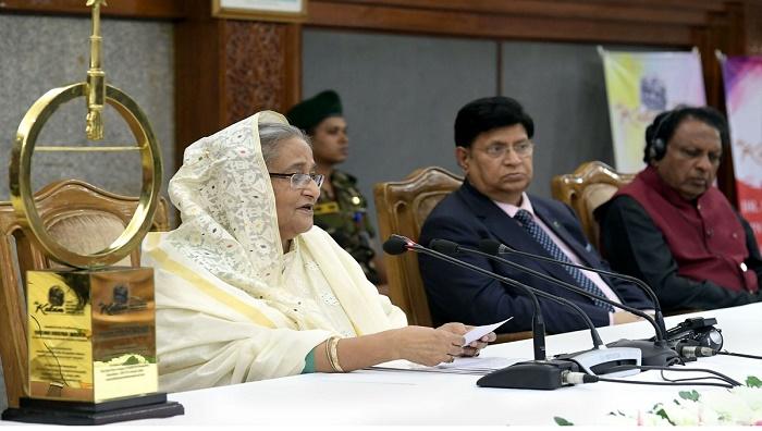 Prime Minister stresses having accommodative attitude among neighbours