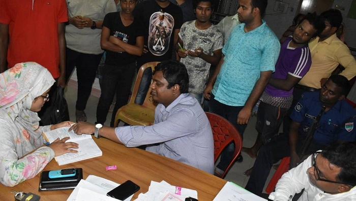 Unauthorised clinic sealed off in Chuadanga