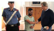 Bangladeshi youth refuses to take reward of €2000 in Rome