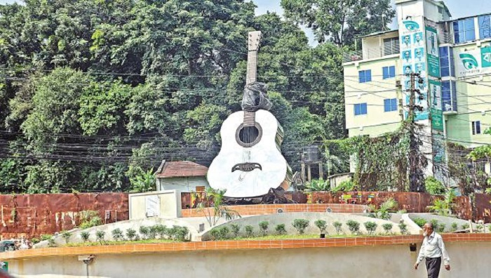 Ayub Bachchu's 'Rupali Guitar' to be opened Wednesday