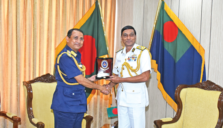 Indo-Bangla coast guards hold meeting