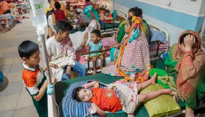 Dengue claims 2 schoolgirls' live, 615 new patients hospitalised