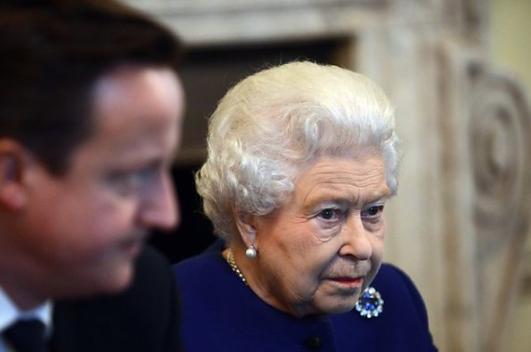 Palace 'displeasure' at Cameron's Queen comments