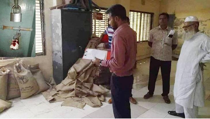 80 sacks of VGF rice seized in Jhenidah