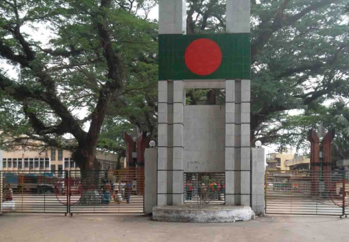 10 Bangladeshis return home after serving  2 yrs jail in India