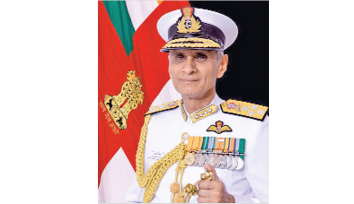 Indian Navy chief arrives in Dhaka
