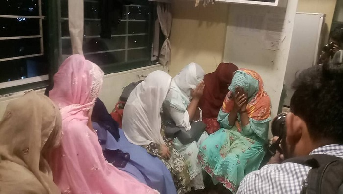 Police arrest 16 girls, 3 youths from spa centres at Gulshan