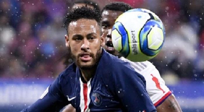 Thanks to Neymar, PSG move three points ahead